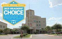 Foto exterior con la insignia del premio Laredo Times Reader's Choice